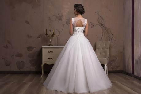 Famózne svadobné šaty na predaj, 34