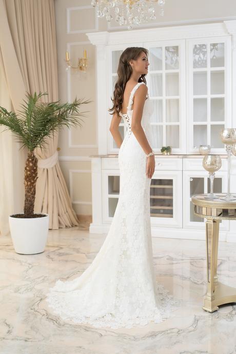 Kúzelné svadobné šaty so srdcovým výstrihom , 34