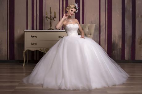 Luxusné princeznovské svadobné šaty šité na mieru, 32
