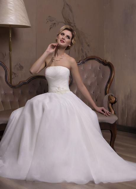 Luxusné svadobné šaty na mieru, 36