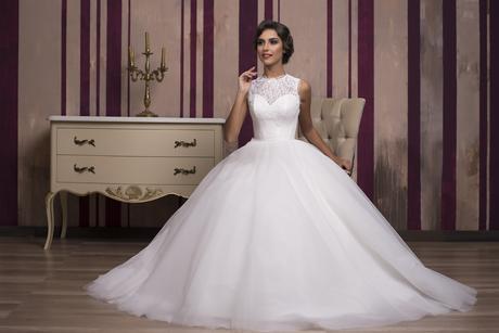 Luxusné svadobné šaty na predaj, 32