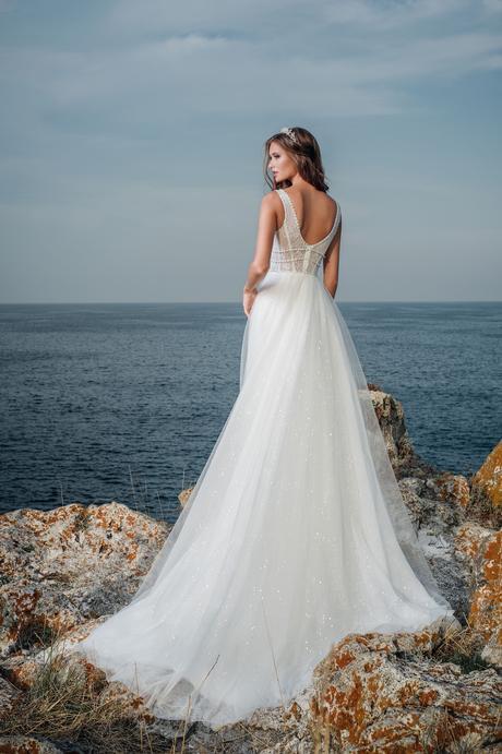 Luxusné svadobné šaty s jemne zdobenou sukňou , 36