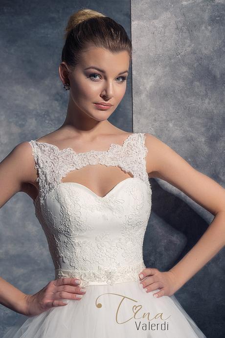 Luxusné svadobné šaty šité na mieru, 36