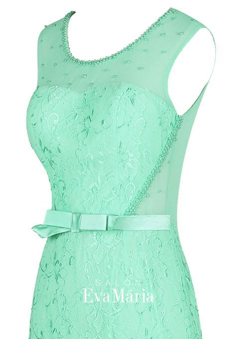 Nádherné priliehavé čipkované šaty, 34