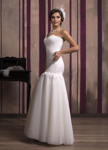Nádherné priliehavé svadobné šaty na predaj, 34