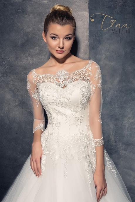 Podmanivé svadobné šaty šitie na mieru, 34