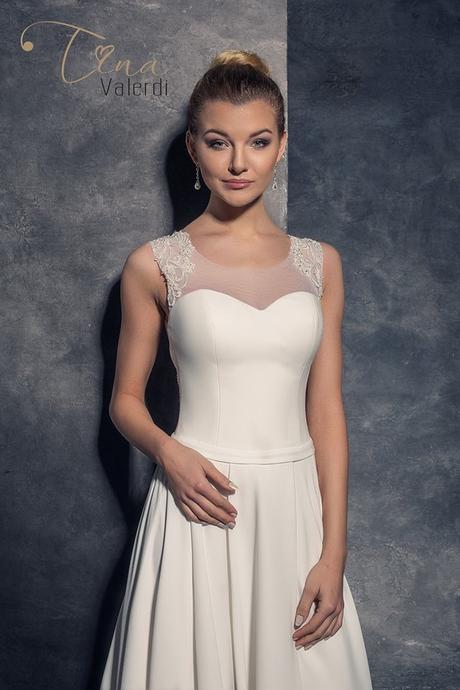 Predaj podmanivých značkových svadobných šiat, 38