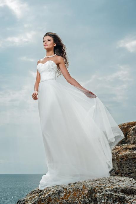 Romantické dlhé svadobné šaty , 38
