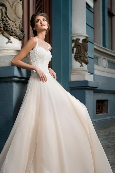 Svadobné šaty na ramienka - na mieru, 34