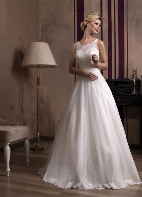 Svadobné šaty s čipkovaným vrškom a lesklou sukňou, 38