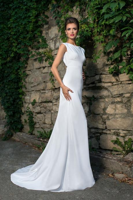 Svadobné šaty s holým chrbátom - na mieru, 36