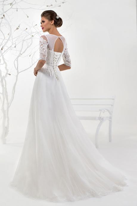 Svadobné šaty s rukávmi - na mieru, 40
