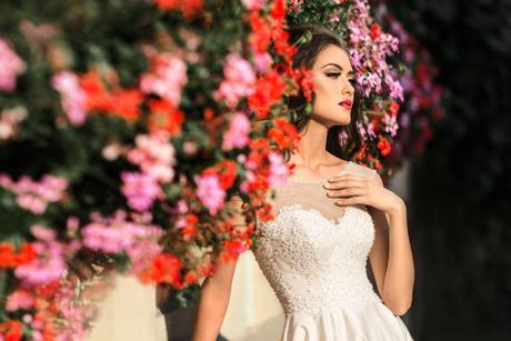 Svadobné šaty s vlečkou - na mieru, 34