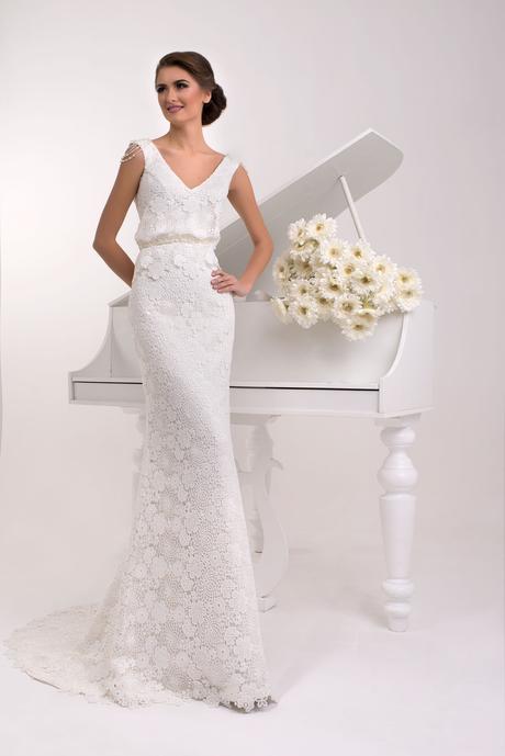 Svadobné šaty s vlečkou - na mieru, 38
