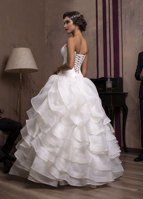 Značkové svadobné šaty s volánovou sukňou na mieru, 36