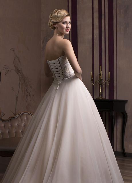 Značkové svadobné šaty šité na mieru, 32