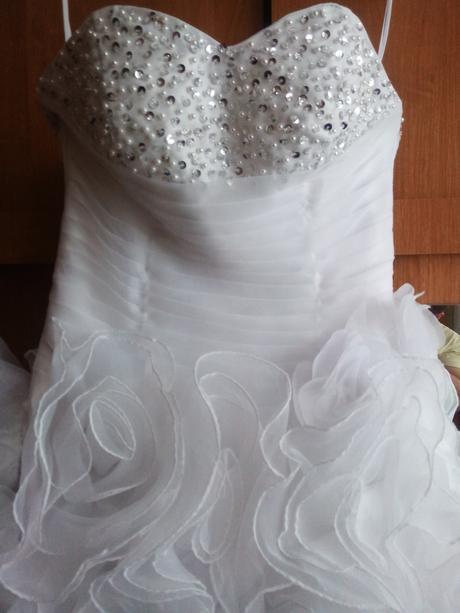 Svatební šaty + 5-ti kruhová spodnice, 38