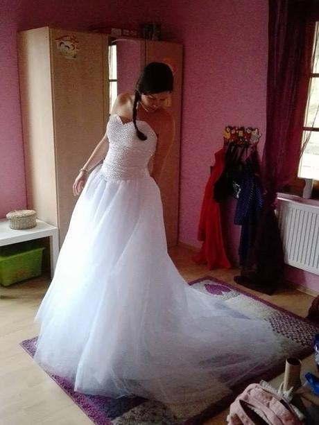 Svatební princeznovské šaty, 38