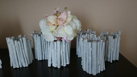 Biele handmade vázičky,