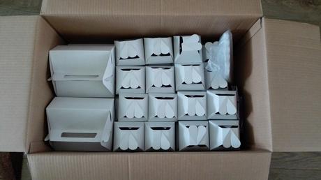 krabicky na vysluzky plus krajky,