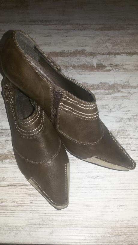 Kožené boty Baťa, 37