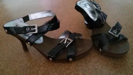 sandály s lesklými pásky , 36