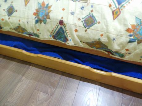 Komplet spálňa so smrekového dreva,