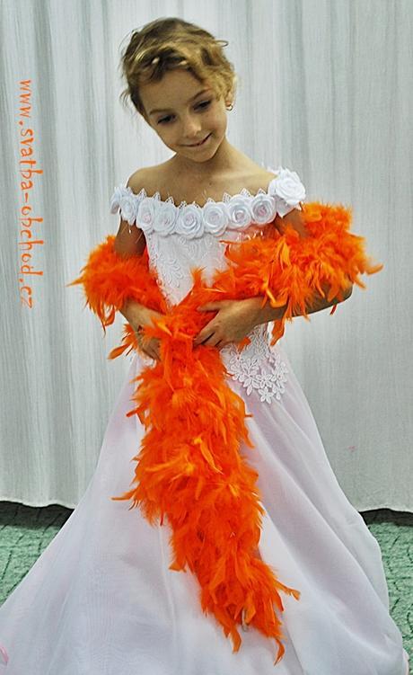 Boa v oranžové barvě (pravé peříčka),