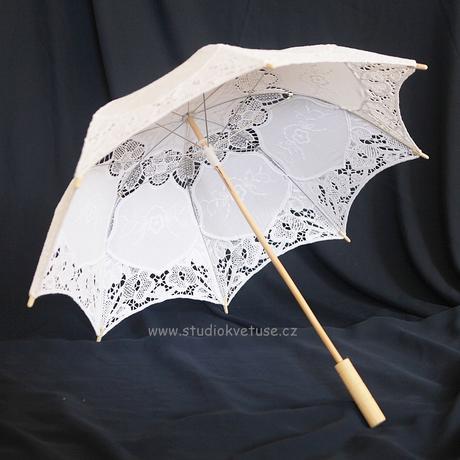 Deštníček bílý 07 šitá krajka,