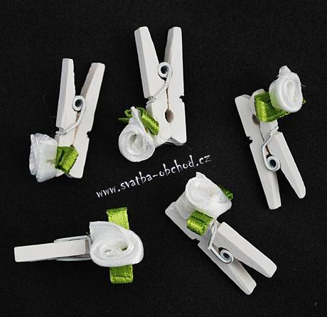 Kolíček bílý s růžičkou (č.02),