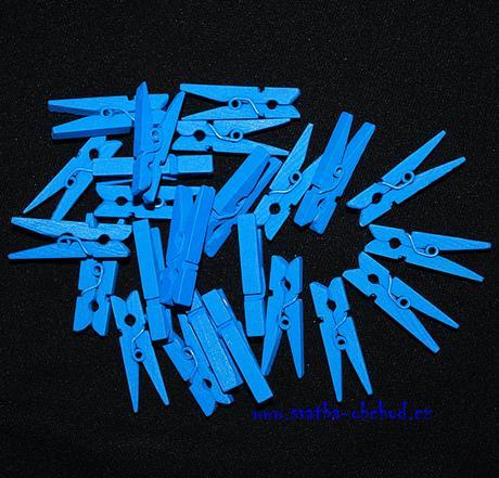 Kolíček královsky modrý - mini (č.18),