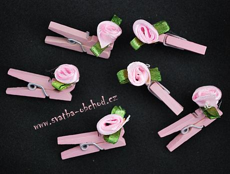Kolíček růžový s růžičkou (č.02),