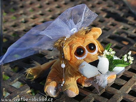Lvíčci ve svatebním - na auta,