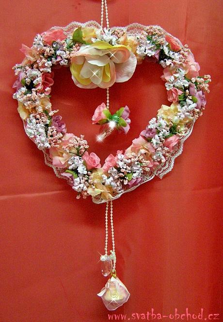 Růžový závěs na dveře - srdce,