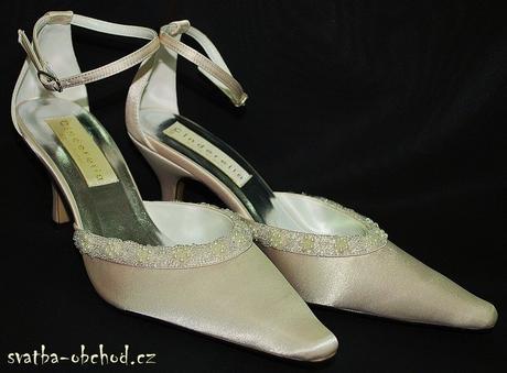 Šampáň svatební botičky s korálky (č.18), 36