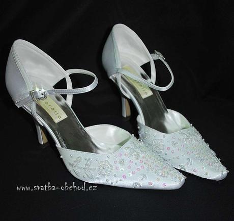 Saténové botičky s výšivkou (č.21), 36
