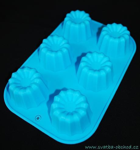 Silikonová forma na bábovičky v modré barvě,