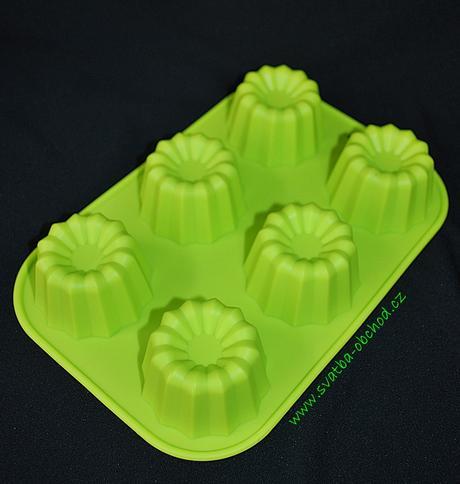 Silikonová forma na bábovičky v zelené barvě,