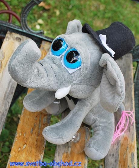 Sloníci pro štěstí na svatební auta,