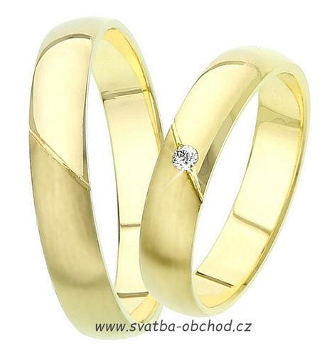 Snubní prsten K15 - žluté zlato + 1x zirkon,