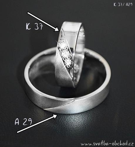 Snubní prsten K37 - bílé zlato + 3x zirkon,