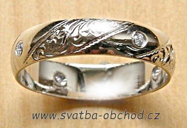 Snubní prsten K5 - bílé zlato + 4x zirkon,
