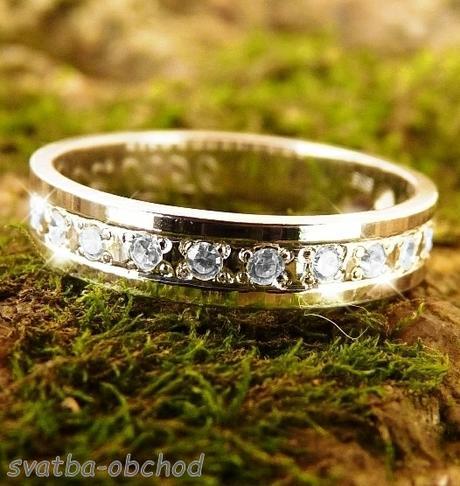 Snubní prsten K56 - žluté zlato + 15x zirkon,
