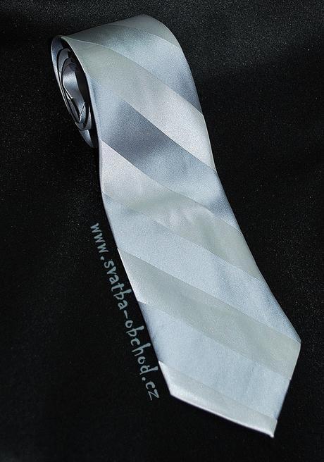 Stříbrná kravata (č.141),