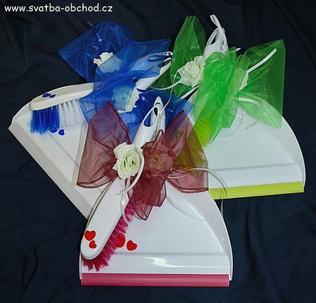 Svatební košťátko s lopatkou (č. 11),