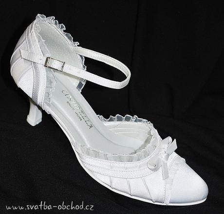 Zářivě bílé saténové botičky (č.13), 36