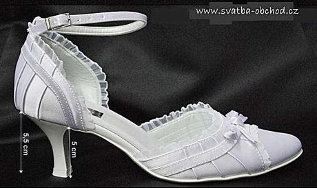 Zářivě bílé svatební botičky (č.13) - satén, 35