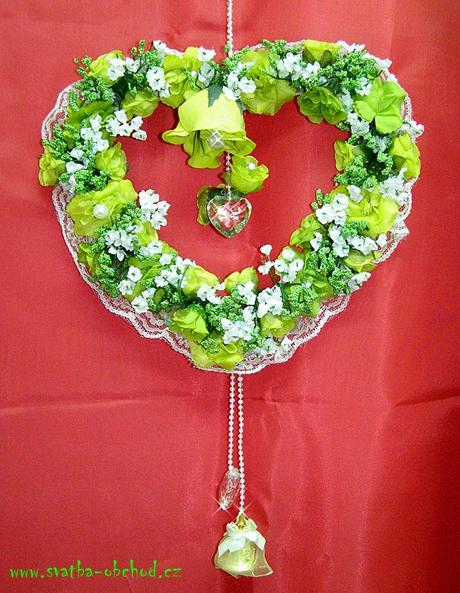 Zelený závěs na dveře - srdce,