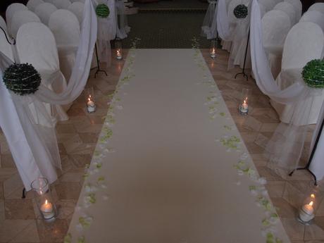Svadobný koberec biely na prenájom,