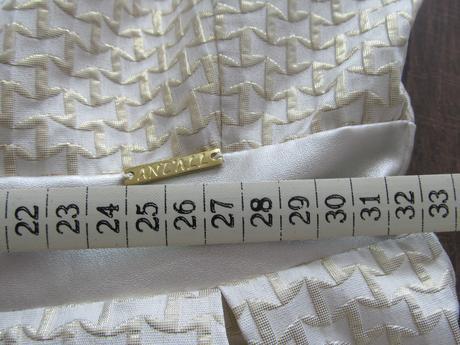 Šatočky zlatej farby, 36
